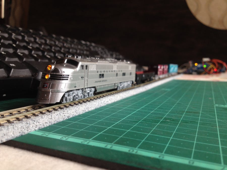 Keyboard Controlled Model Train | PS/2 Interface