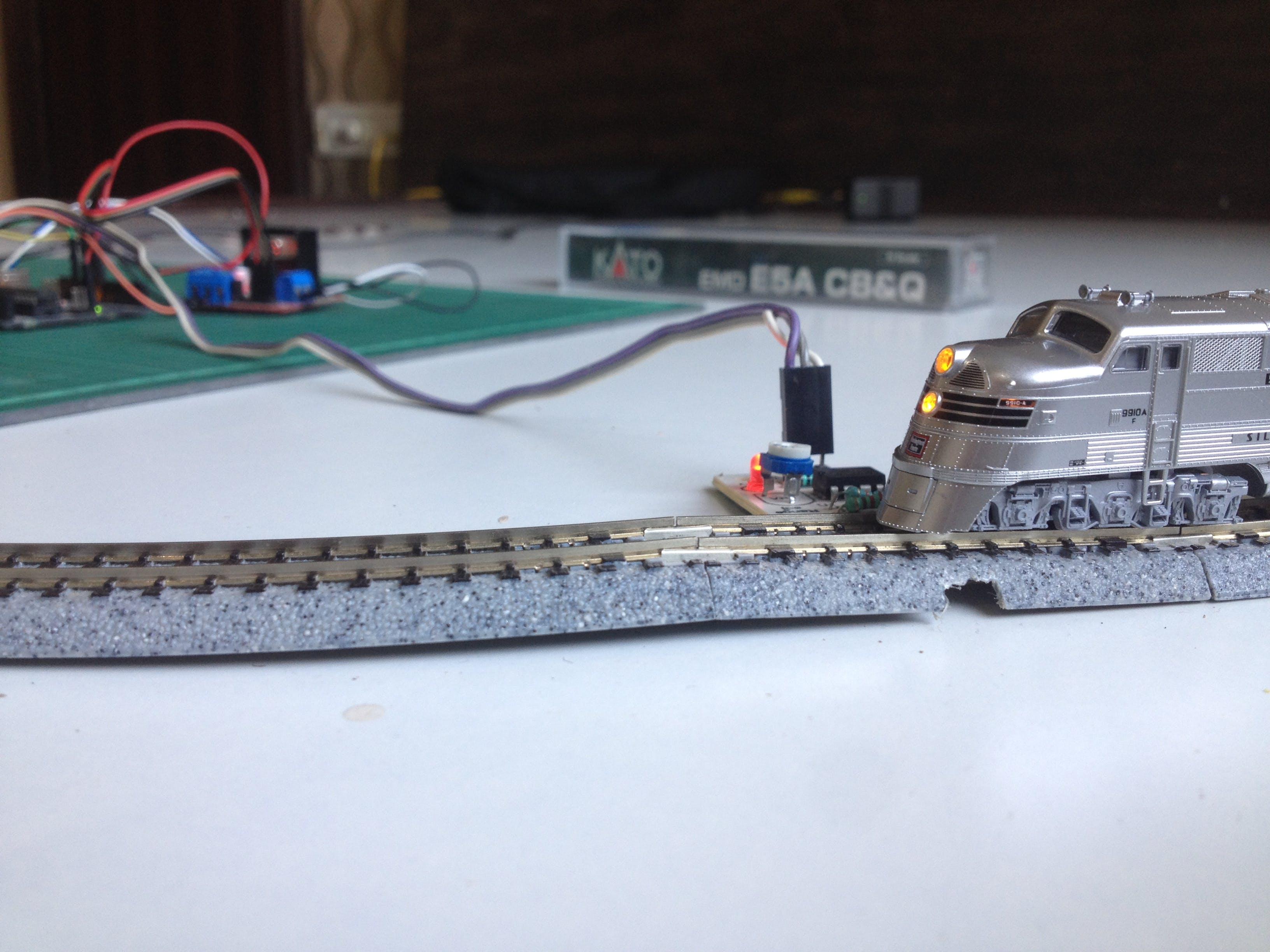Simple Automated Point to Point Model Railroad