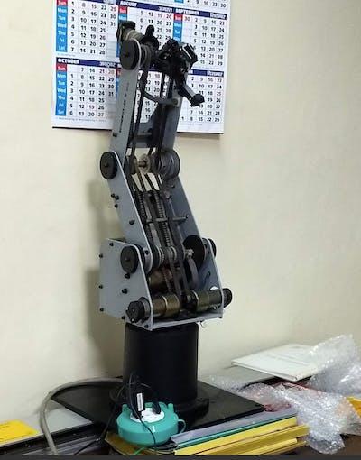 THE ROBOT ARM
