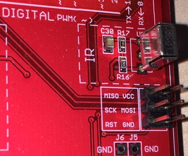 Connect the external LED to the GND, VCC (5V) and SCK (D13) pins on the Rich UNO R3 board