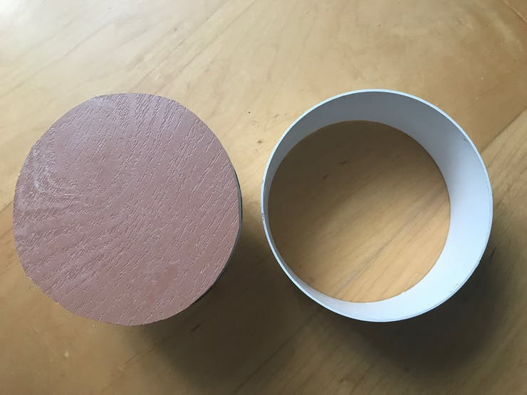I prepared one circular piece of piping and 2 lids
