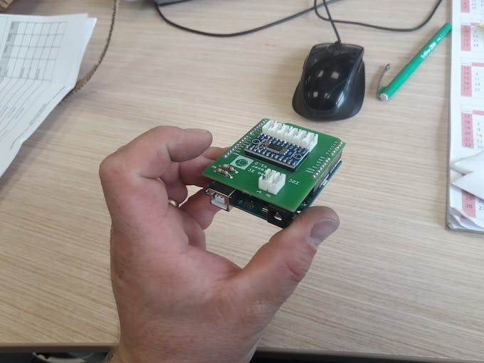 Multiplexer Shield stacked on an Arduino Uno