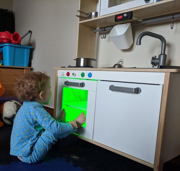 Awesome Dad Upgrades Ikea Play Kitchen For His Daughter