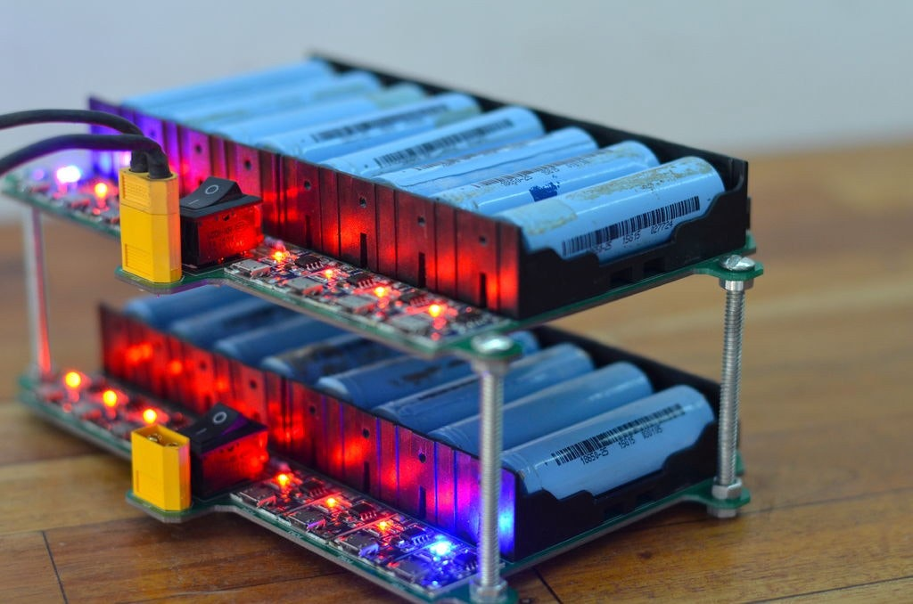 How To Build Your Own 18650 Lithium Ion Charging Grid Hackster Io