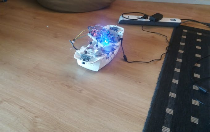 Testing motor & circuitry with a breadboard