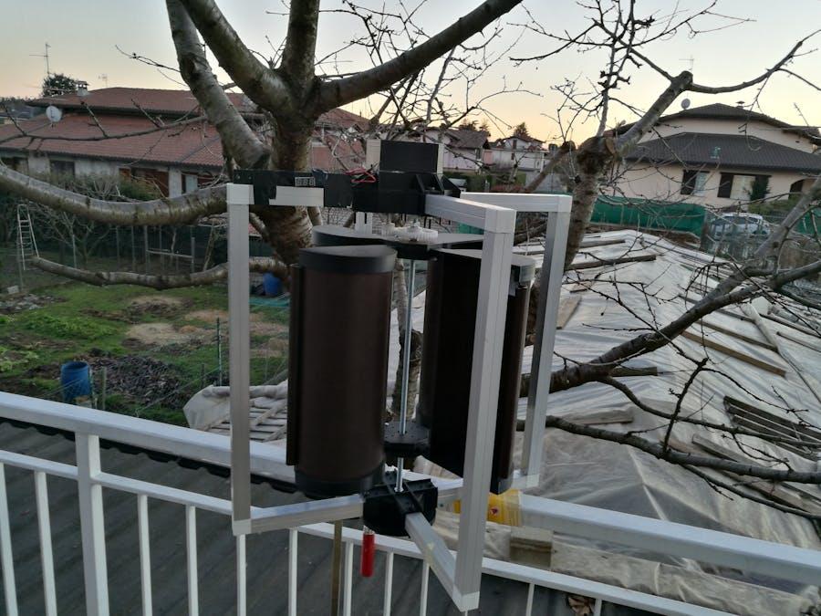 Mini Vertical Wind Generator 3D-Printed