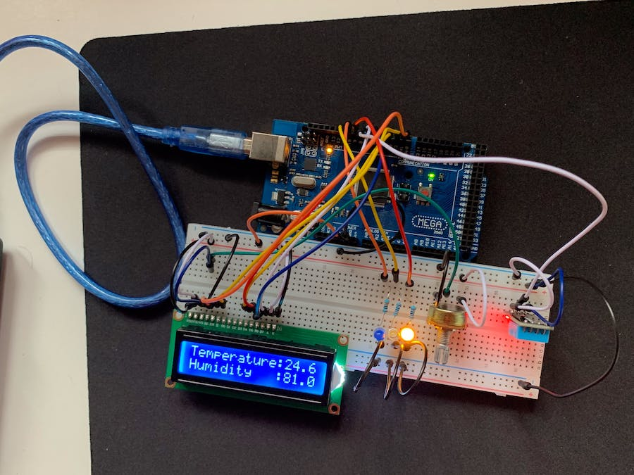 Temperature and Humidity sensor with LED Lights