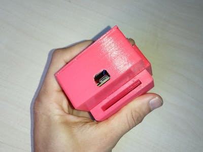 Portable emergency button with localization (LinkIt One)