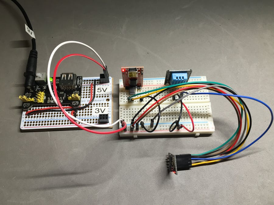 Temp sensor connected to ESP8266 and upload data using MQTT