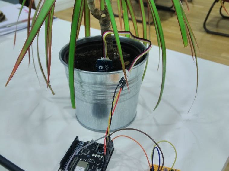 Connected Plant with Sigfox, Akeru and thethings.iO