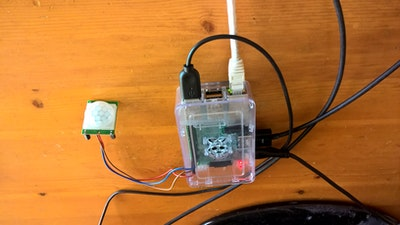 Raspberry Pi Controlled PIR Sensor with Email Notifications