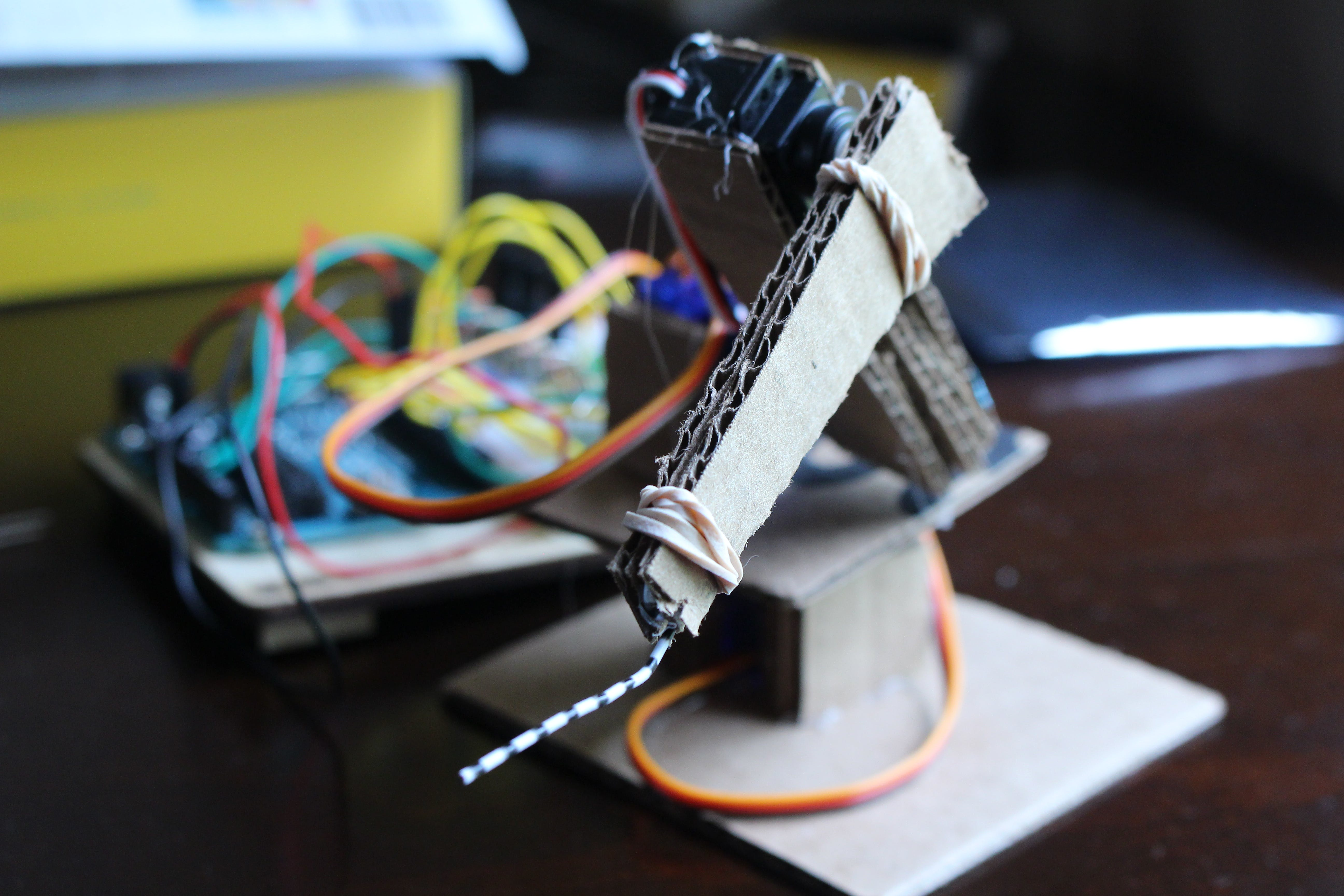 Simple Programmable Robotic Arm