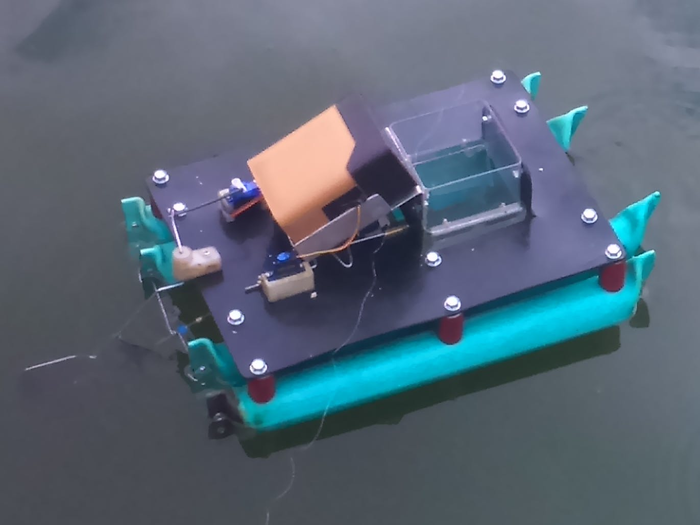 Drone boat controlled through the internet