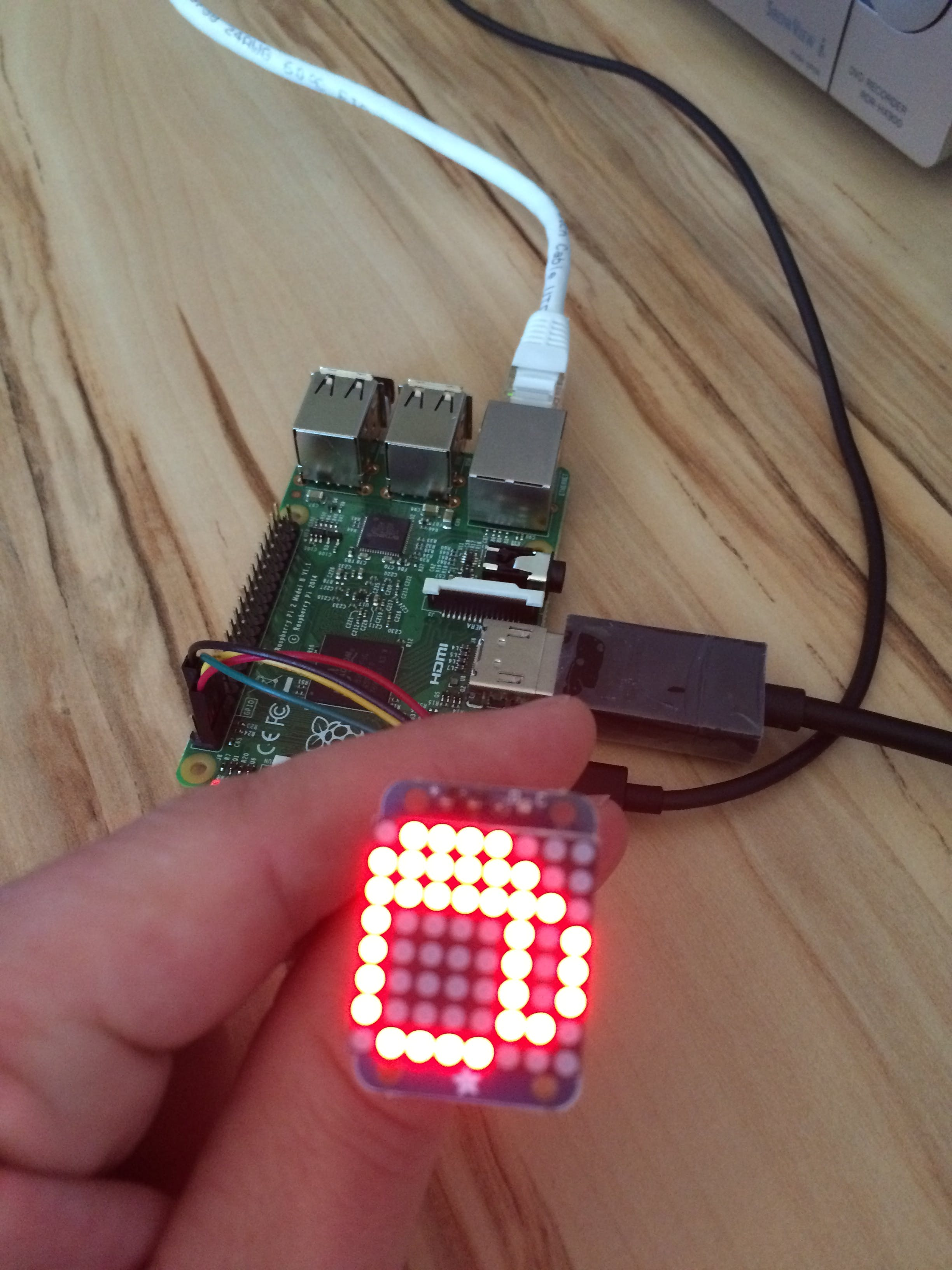 8x8 LED Matrix display on RPi 2 with Windows 10 IoT Core