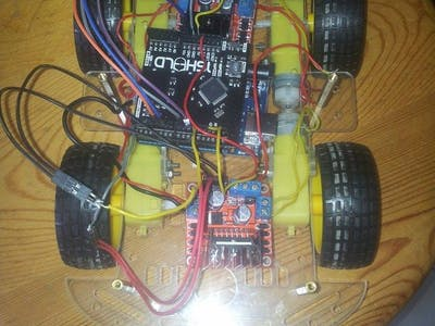 Accelerometer Car with 4 Motors Controlled