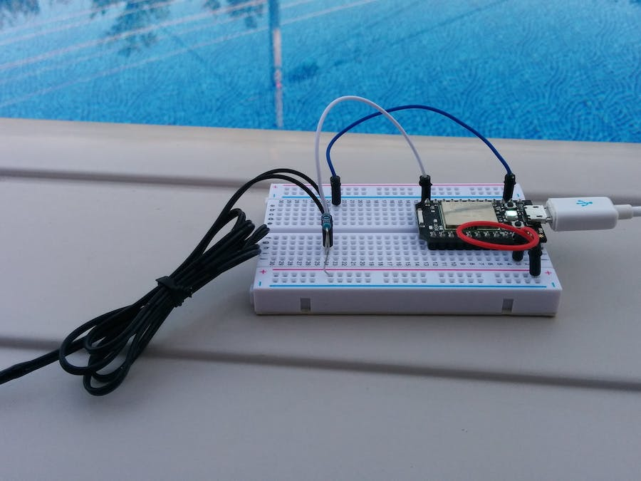 Pool temperature monitor