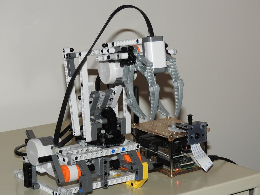 BrickPi Robotic Arm