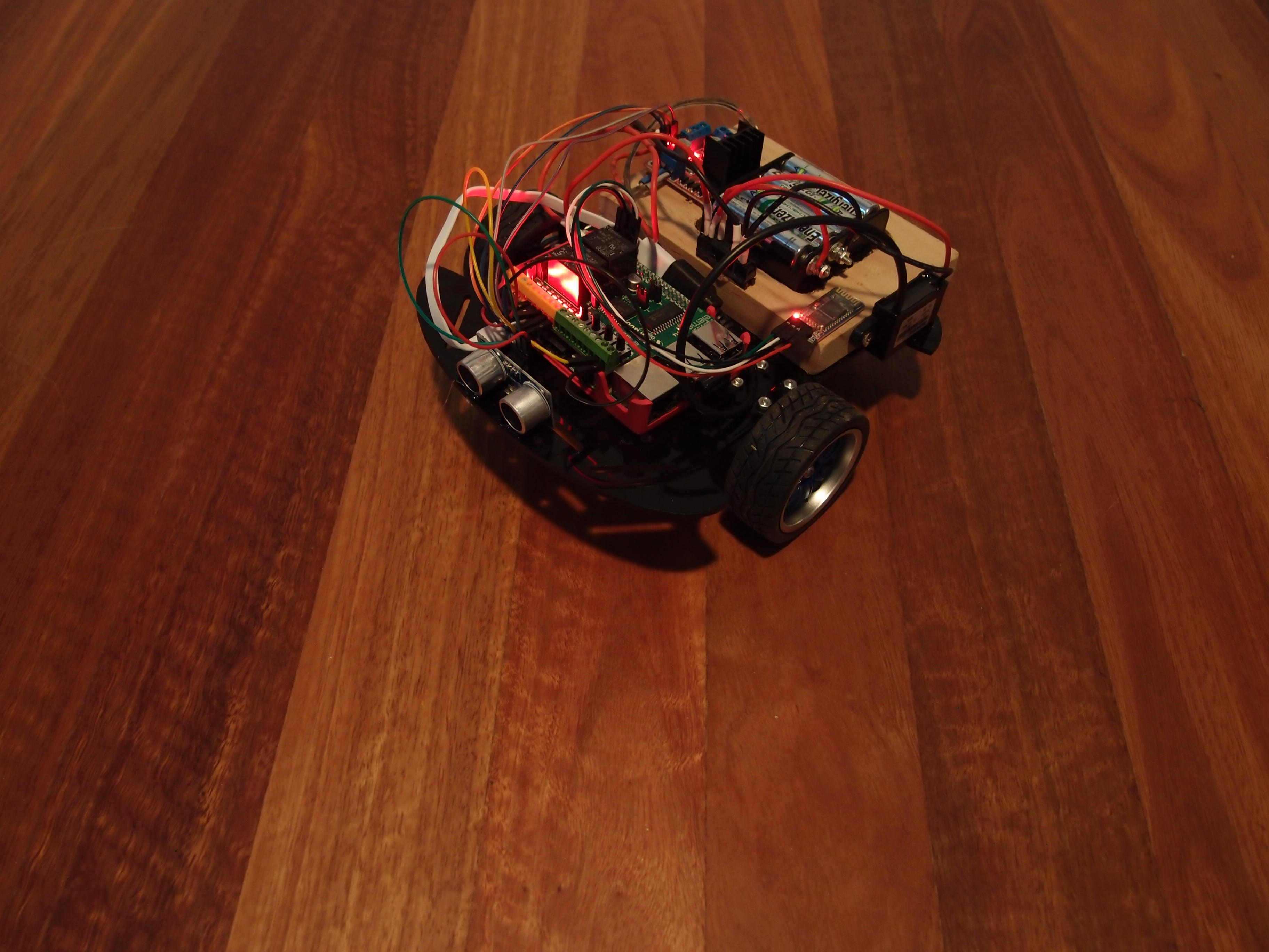 Use Scratch on Win IoT to control a Raspberry Pi wheeler