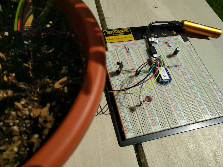 Breadboard with system running from battery.