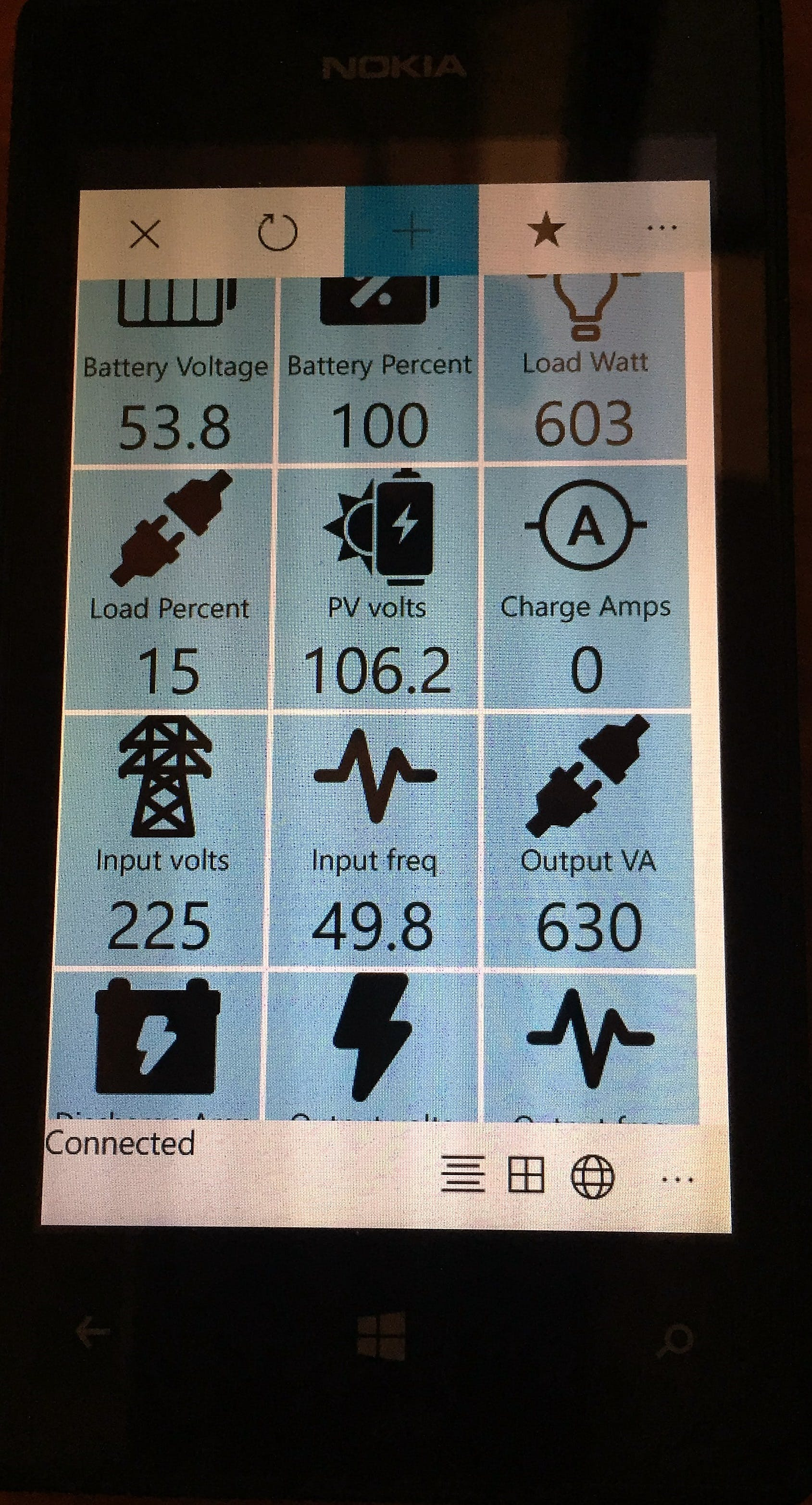 The app displaying UPS/inverter data