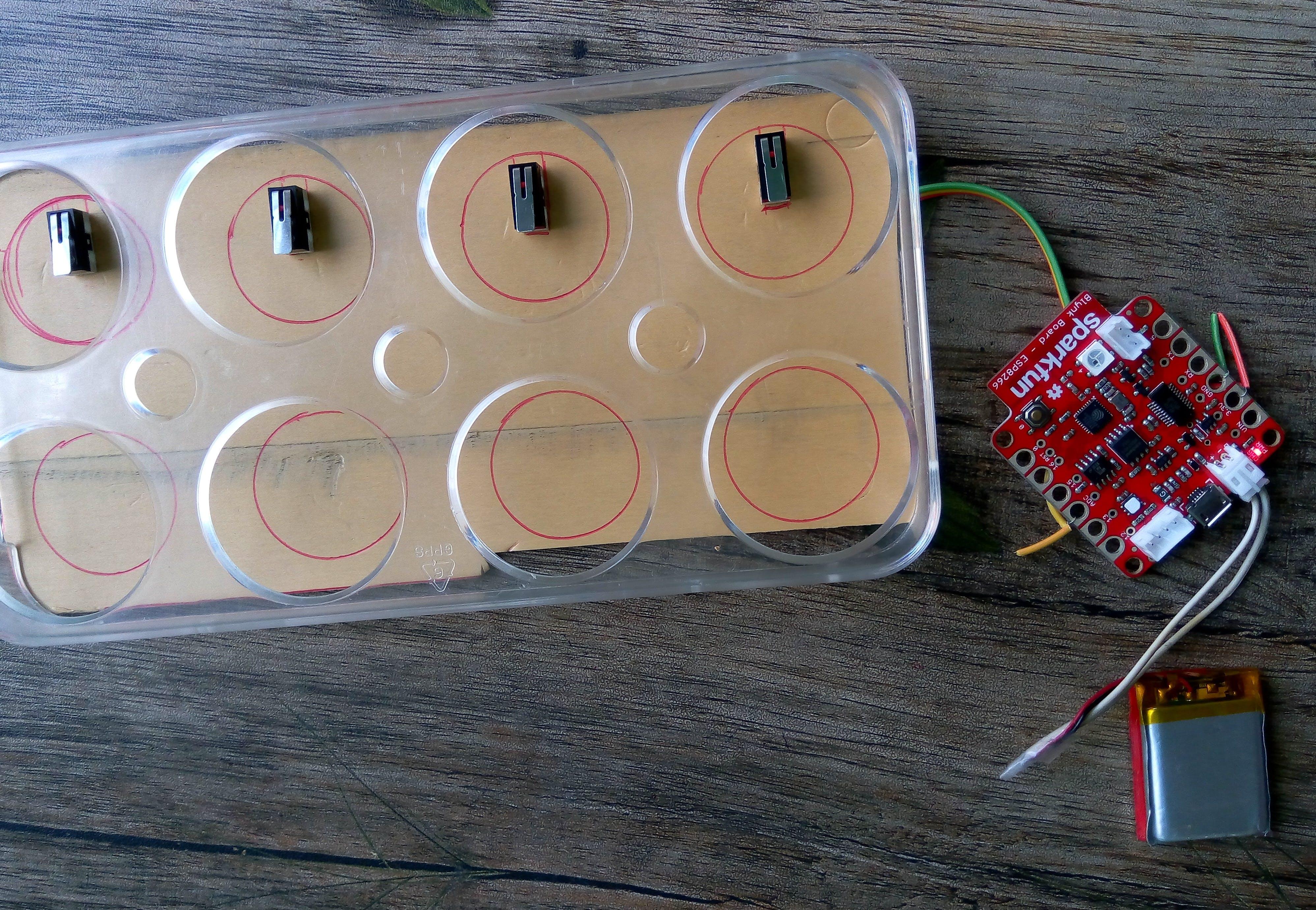 IoT egg tray
