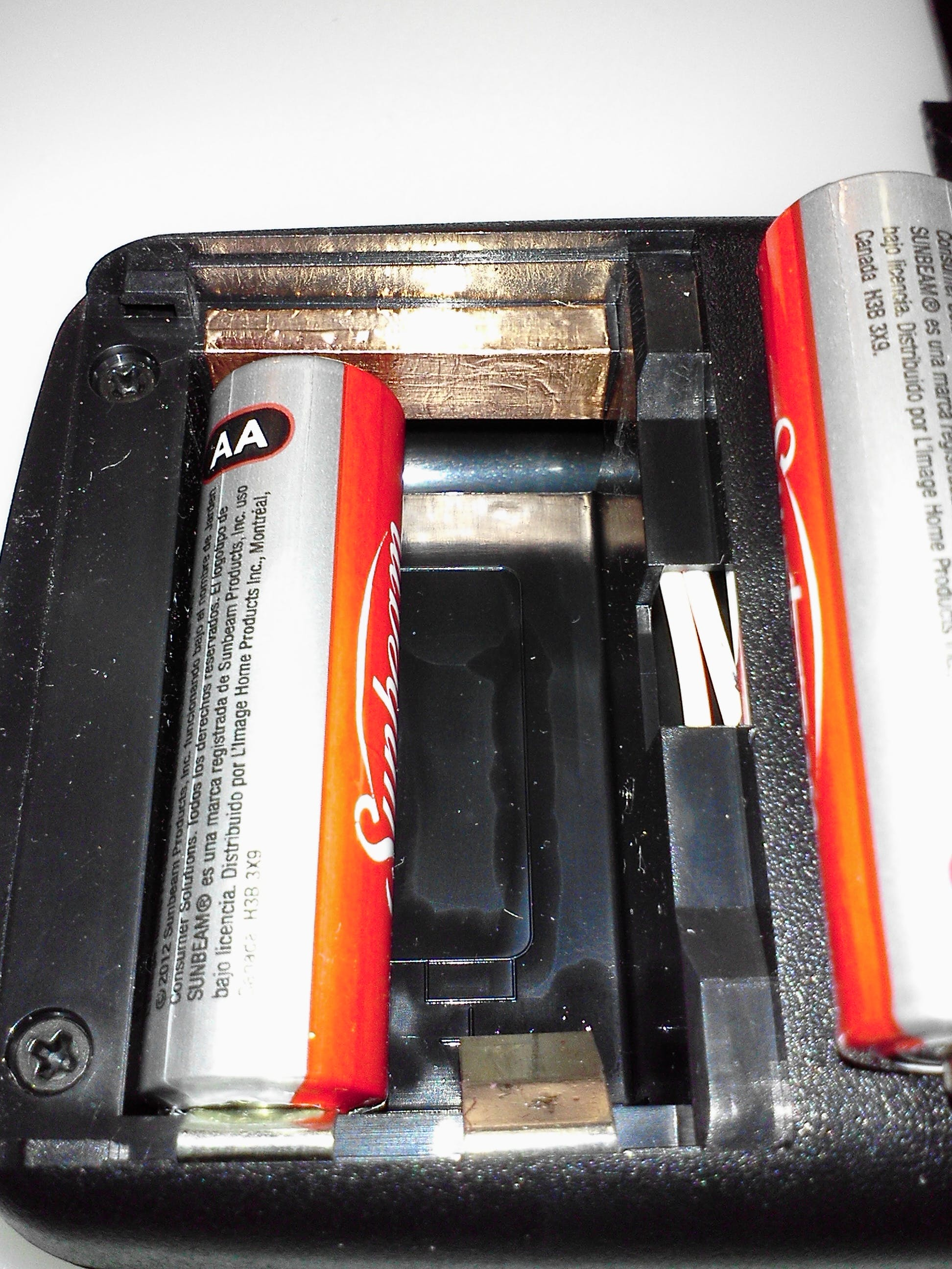 How to use AA in 9V compartment