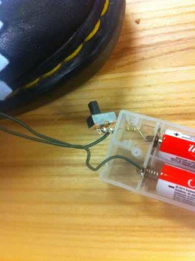 Changing the LEDs' power source from batteries to the Arduino