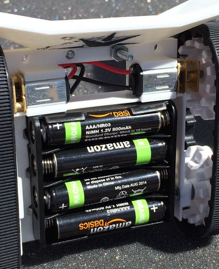4 AAA NiMH rechargeable batteries