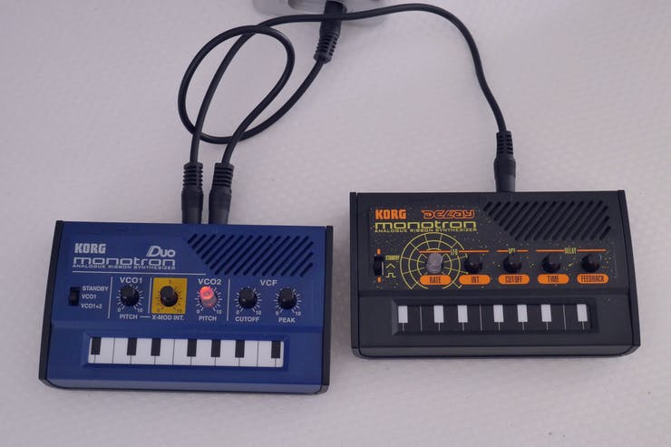Korg monotron DUO and DELAY, daisy chained