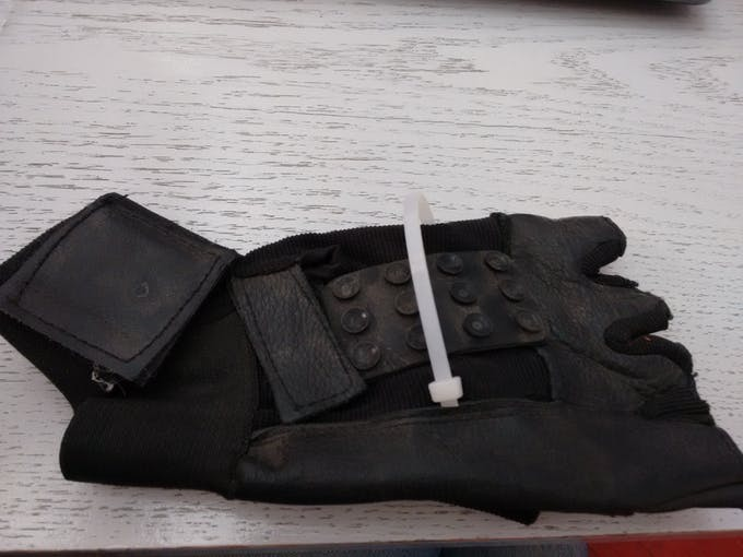 Gloves used to control the board eraser using mobile accelerometer