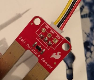 wires successfully soldered to the sensor