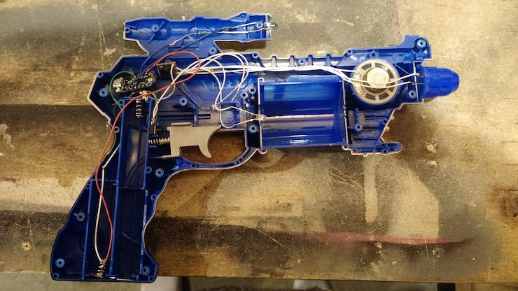 Trinket mounted in the Ray Blaster. Note the IR LED mounted at the very top and the trinket in the beck left