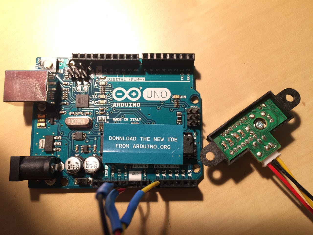 Sharp ir sensor arduino distance: sharp sensor tutorial with arduino